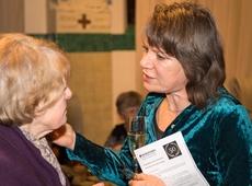 Burgemeester Liesbeth Verstreken tijdens viering 50 jaar Davidsfonds Sint-Antonius (foto Walter Vereycken)